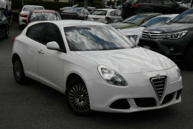 Alfa Romeo Giulietta Distinctive Series 0 MY12