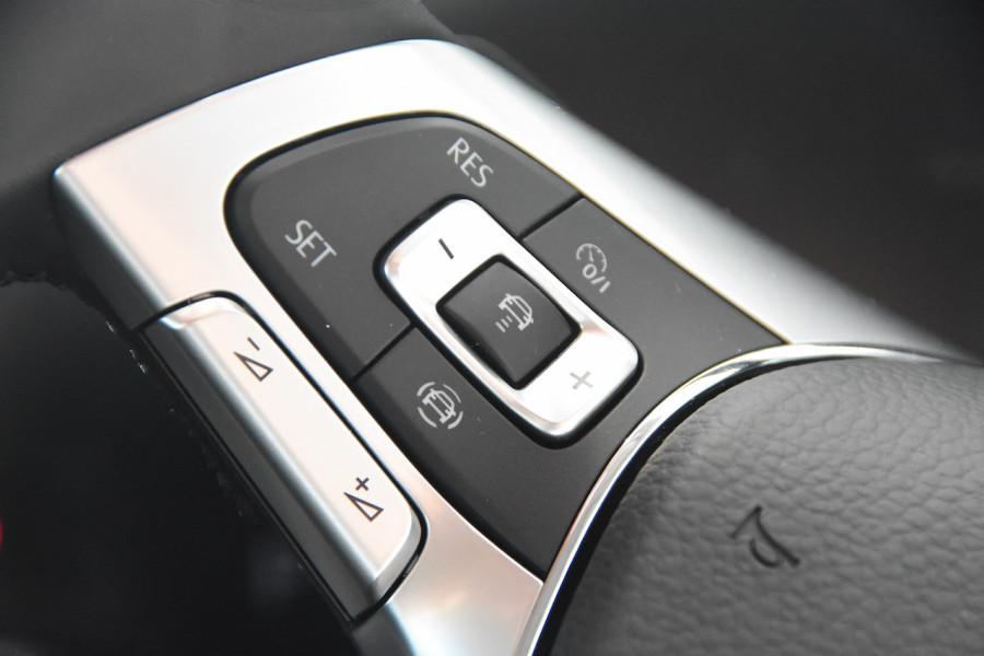 2020 Volkswagen Touareg CR 190TDI Premium Suv Image 11