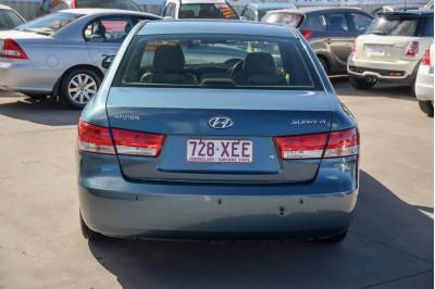 2005 Hyundai Sonata NF Elite Sedan Image 4