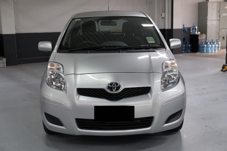 2010 Toyota Yaris YR