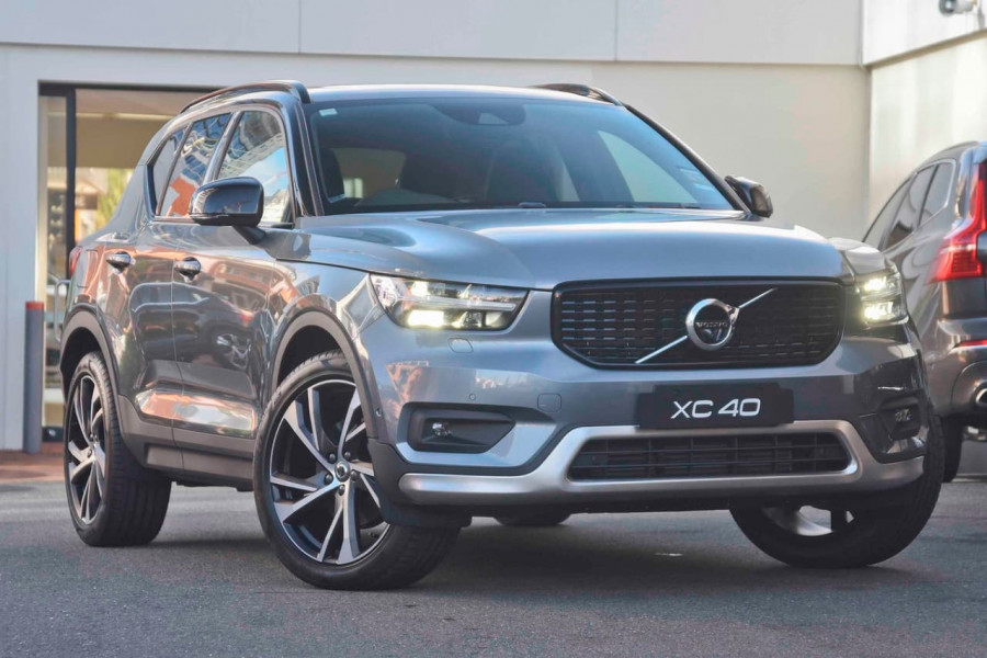 2019 [SOLD]    Mobile Image 1