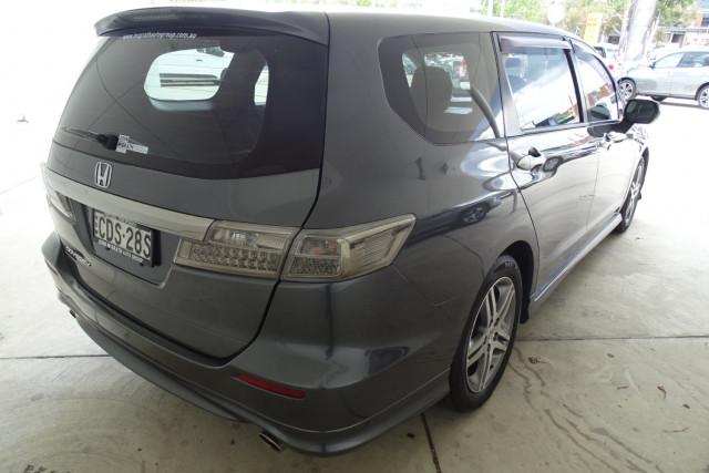 2011 Honda Odyssey Luxury 18 of 30