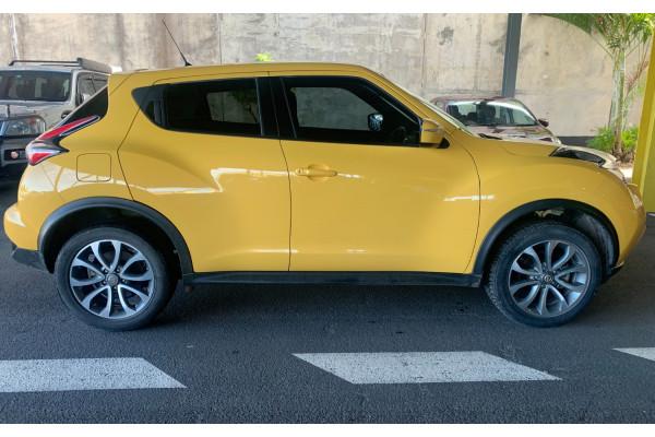 2016 Nissan JUKE Hatchback Image 2