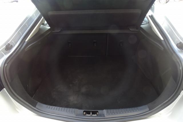 2014 Ford Mondeo Titanium Hatch 20 of 21