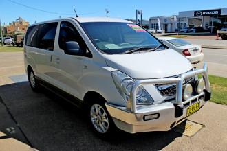 2013 Hyundai Imax TQ-W  Wagon Image 4