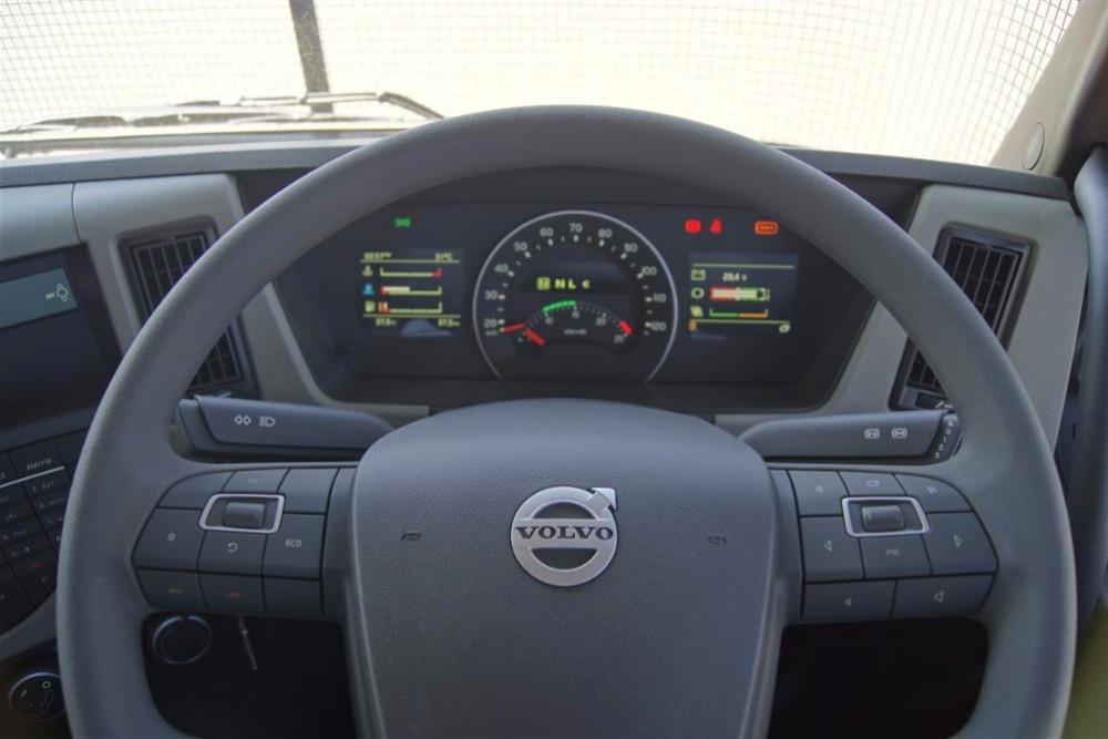 2017 Volvo FM450  Volvo Sleeper cab FM11 450