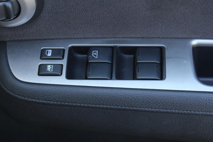 2011 Nissan Tiida C11 S3 ST Hatchback Image 14