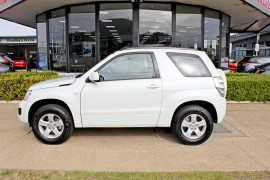 2014 Suzuki Grand Vitara JB Sport Suv Mobile Image 5