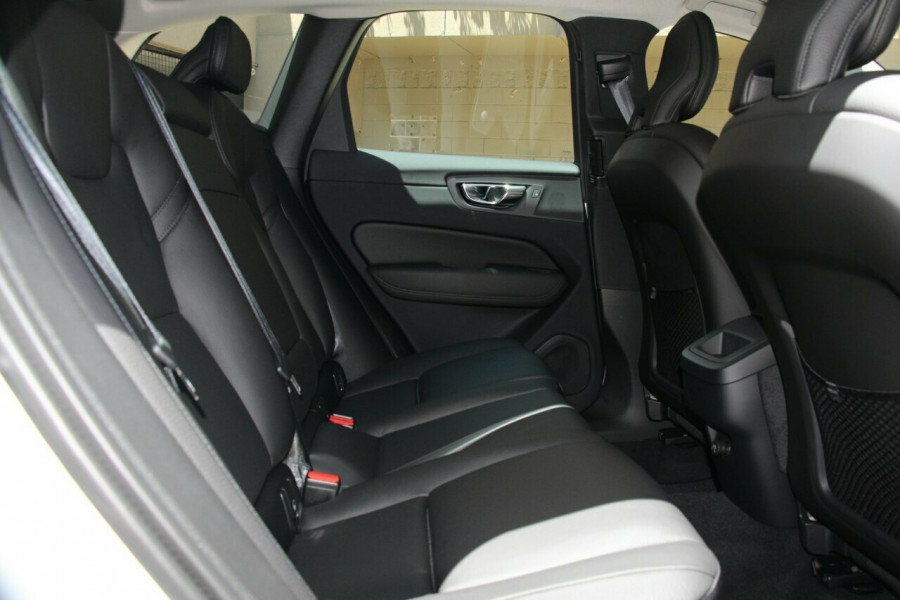 2019 MY20 Volvo XC60 UZ T5 Momentum Suv Mobile Image 7