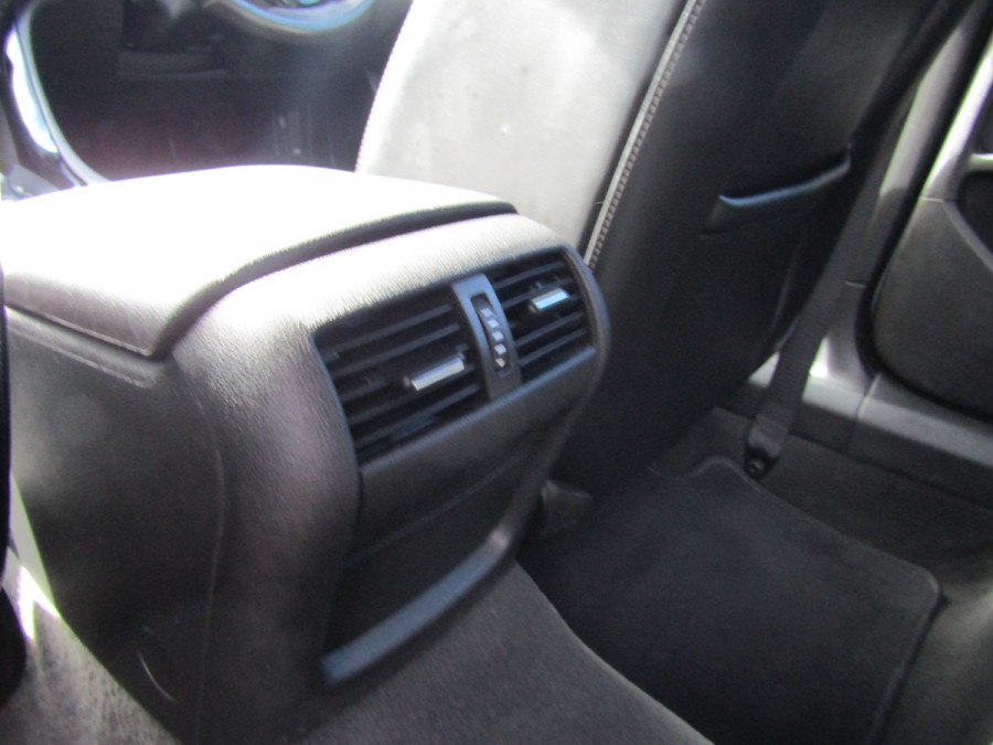2014 Holden Commodore VF MY14 SV6 Wagon Image 9