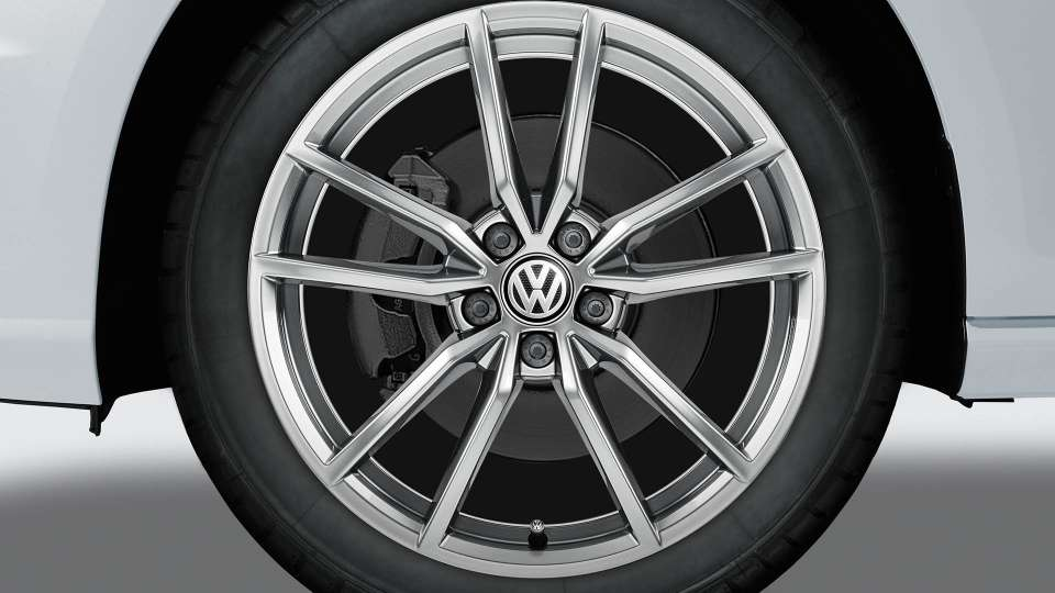 Silver Pretoria alloy wheel