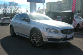 Volvo V60 Cross Country D4 - Luxury F Series  D4