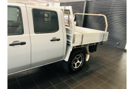 2009 Mazda BT-50 UNY0E4 DX CC Cab chassis Image 5