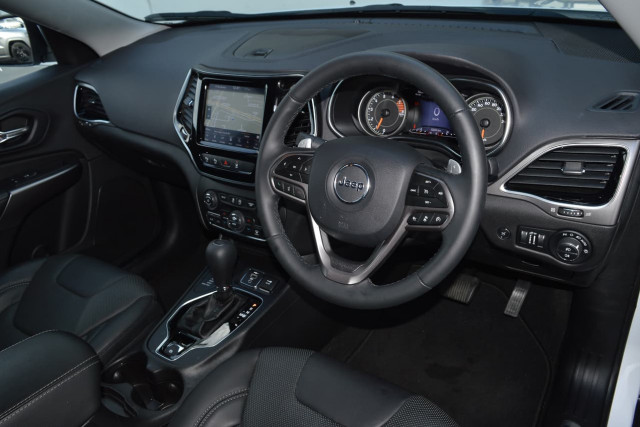 2019 Jeep Cherokee Limited 6 of 29