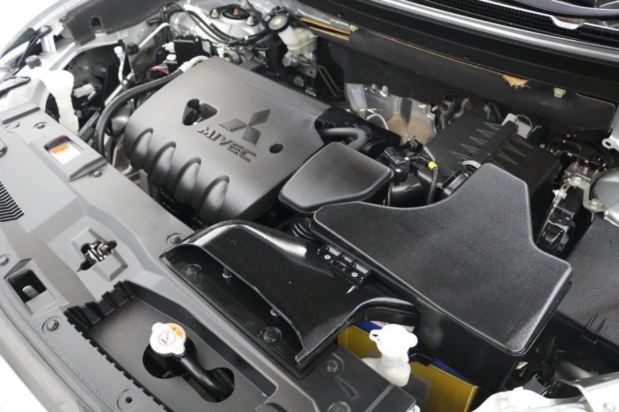 2018 MY18.5 Mitsubishi Outlander ZL MY18.5 ES Suv Image 21