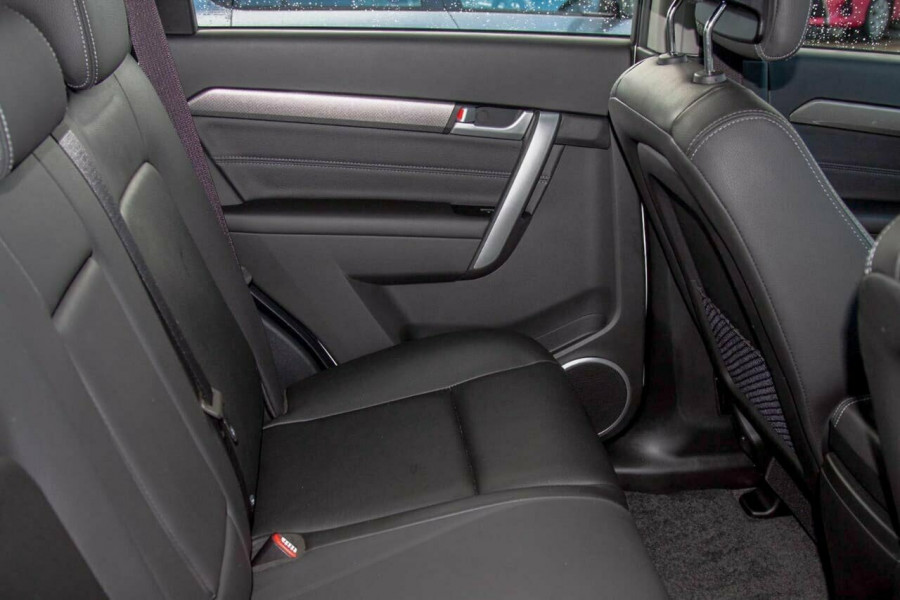 2017 Holden Captiva CG MY17 Active 7 Seater Suv Image 7
