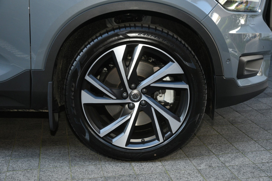 2021 Volvo Xc40 7Spd