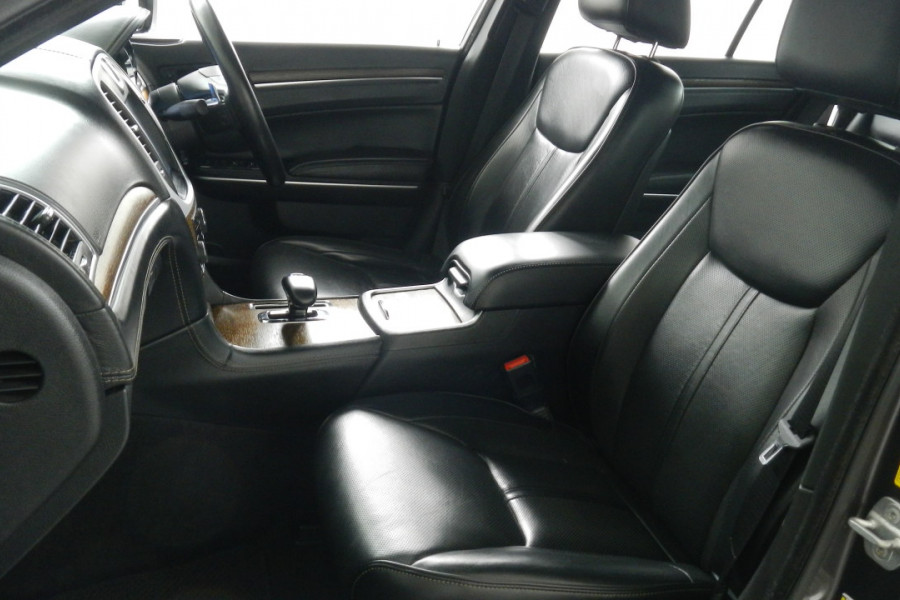 2012 MY13 Chrysler 300 LX C Sedan Mobile Image 10