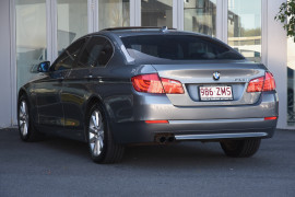 2010 BMW 5 Series F10 528i Sedan Image 3