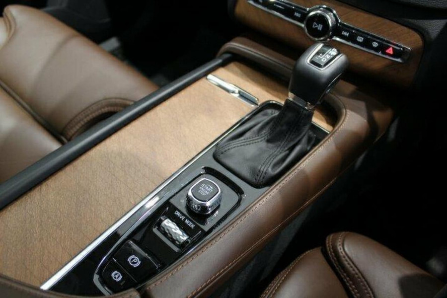 2017 MY18 Volvo XC90 L Series  T6 T6 - Inscription Suv Image 15