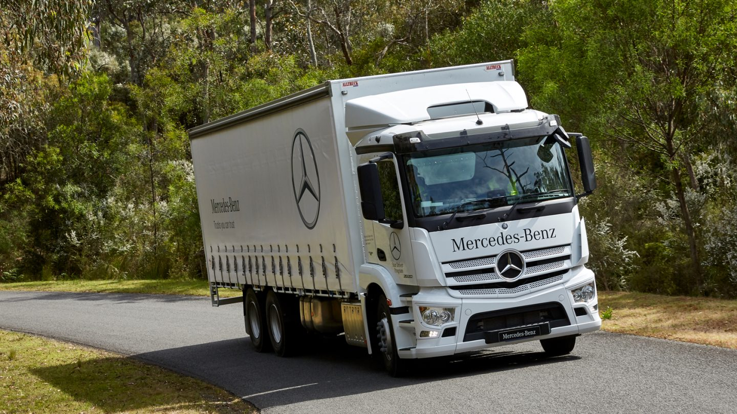 Actros Rigid Reliability.