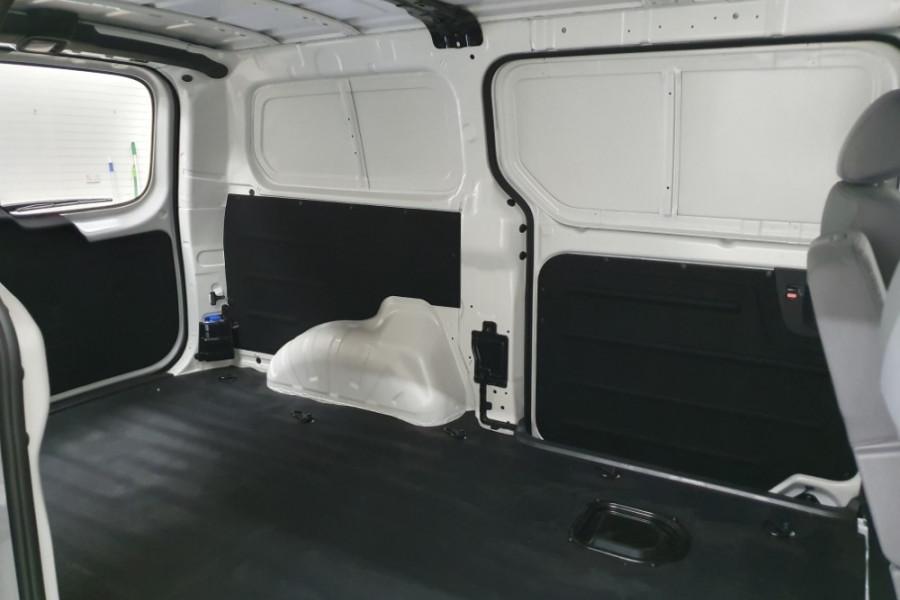 2019 Hyundai iLoad TQ4 Van Van Image 19