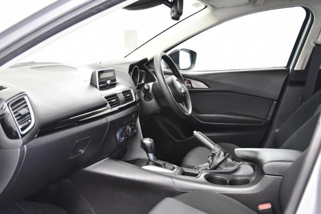 2014 Mazda 3 BM5478 Neo Hatch Image 6