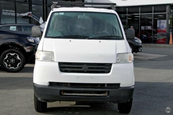 2014 Suzuki APV Van Image 4