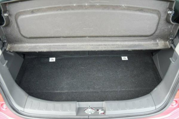 2013 Suzuki Alto GF GL Hatchback Image 5