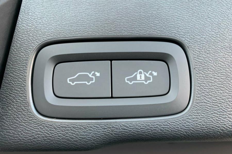2018 Volvo XC60 UZ D4 Inscription (AWD) Suv Mobile Image 9