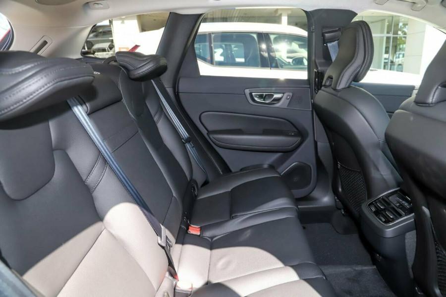 2020 Volvo XC60 UZ D4 Momentum Suv Image 9