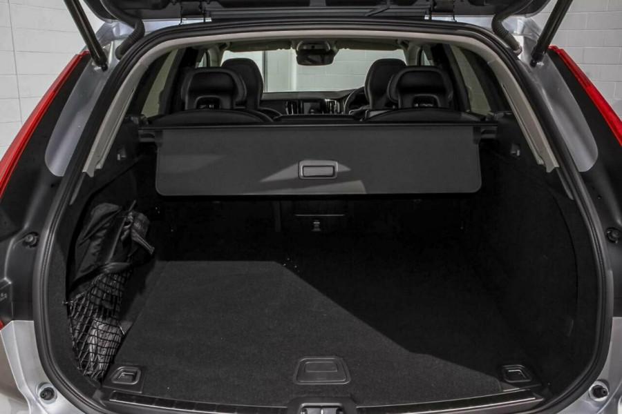 2018 MY19 Volvo XC60 UZ T5 Momentum Suv Mobile Image 10