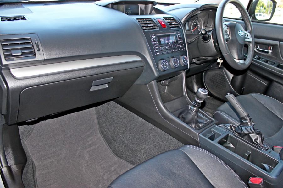 2014 Subaru Impreza G4  2.0i Sedan Image 10