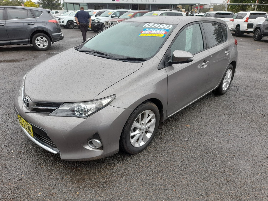 2015 Toyota Corolla ZRE182R Ascent Sport Hatch Image 3