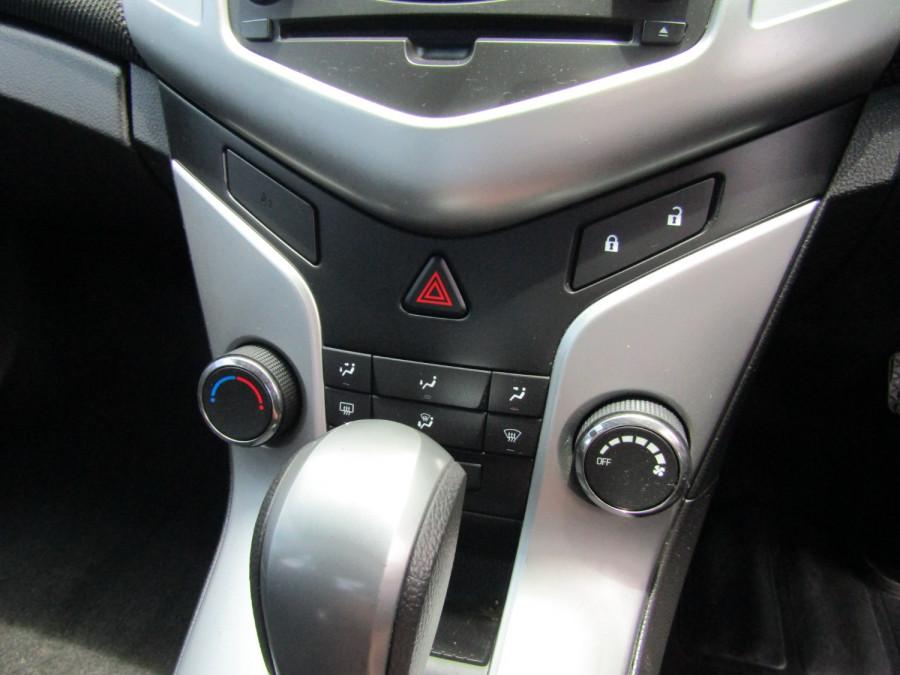 2015 Holden Cruze JH SERIES II MY15 EQUIPE Sedan Image 18