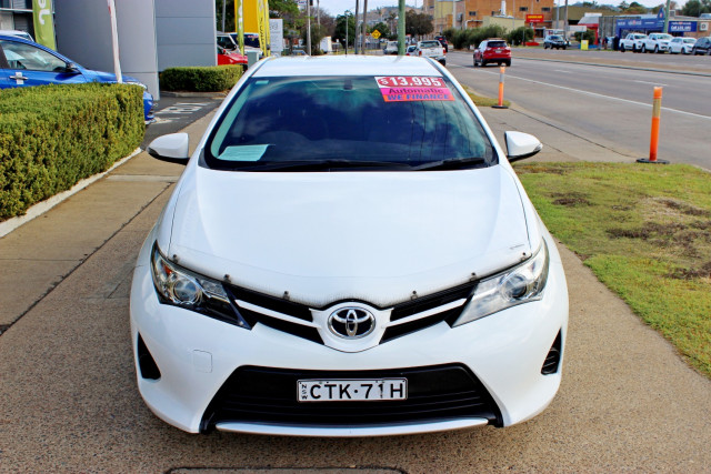 2014 Toyota Corolla ZRE182R Ascent Hatchback Image 3