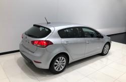 2015 Kia Cerato YD S Premium Hatchback Image 4