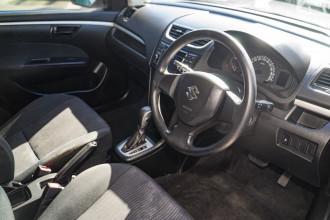 2012 Suzuki Swift FZ GL Hatchback Image 5