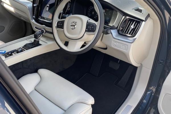 2019 Volvo XC60 (No Series) MY20 D4 Momentum Suv Image 3