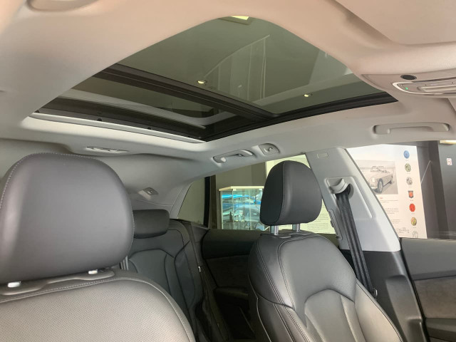 2019 Audi Q8 4M MY19 55 TFSI Suv Image 13