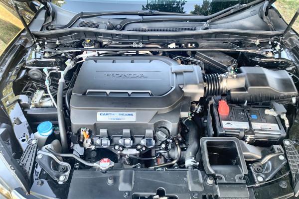 2014 Honda Accord 9th Gen MY14 V6L Sedan Image 3