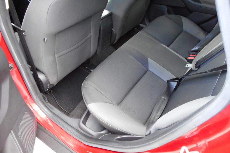 2012 Ford Focus LW  II AMBIENTE Hatchback Image 13