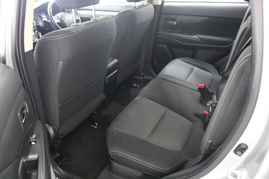 2018 MY18.5 Mitsubishi Outlander ZL MY18.5 ES Suv Image 6