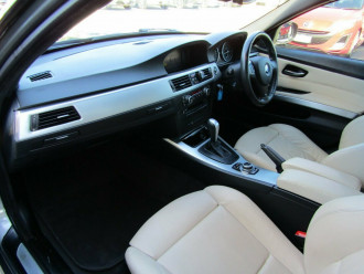 2010 BMW 3 Series E90 MY10 320i Steptronic Executive Sedan image 22