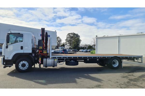 2015 Isuzu F Series FH FVD Crane truck Image 4