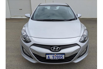 2012 MY13 Hyundai i30 GD2 Active Hatchback Image 3