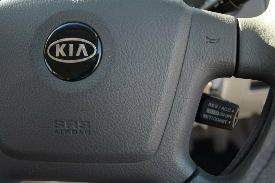 2005 MY06 Kia Cerato LD MY06 EX Sedan Image 12