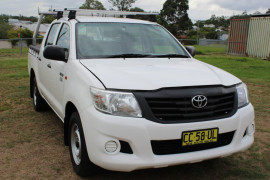 Toyota HiLux TGN16R MY14