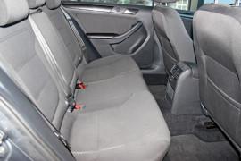 2012 MY13 Volkswagen Jetta 1B  103TDI 103TDI - Comfortline Sedan Mobile Image 9