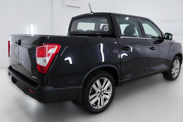 2019 SsangYong Musso Ultimate 2 of 26